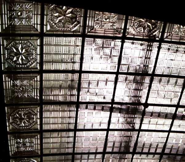 Tőzsdepaloat üvegtető, Rozettastudio